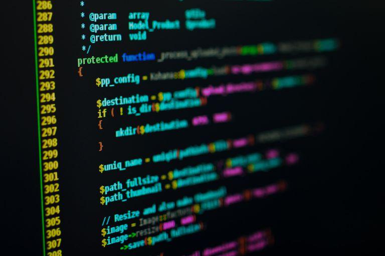 code-tay-thuan-va-website-thiet-ke-bang-code-tay-la-gi?